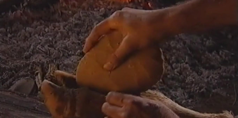 Couverture du film Objets archéologiques - Le biface