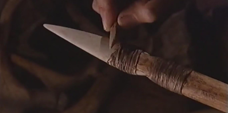 Couverture du film Objets archéologiques - La sagaie à base fendue